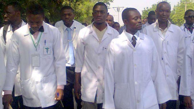 Nigerian govt, resident doctors sign MoU averting indefinite strike