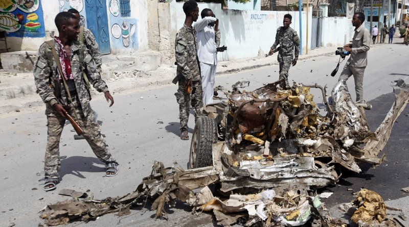 100 die as Somali army clashes with Islamists